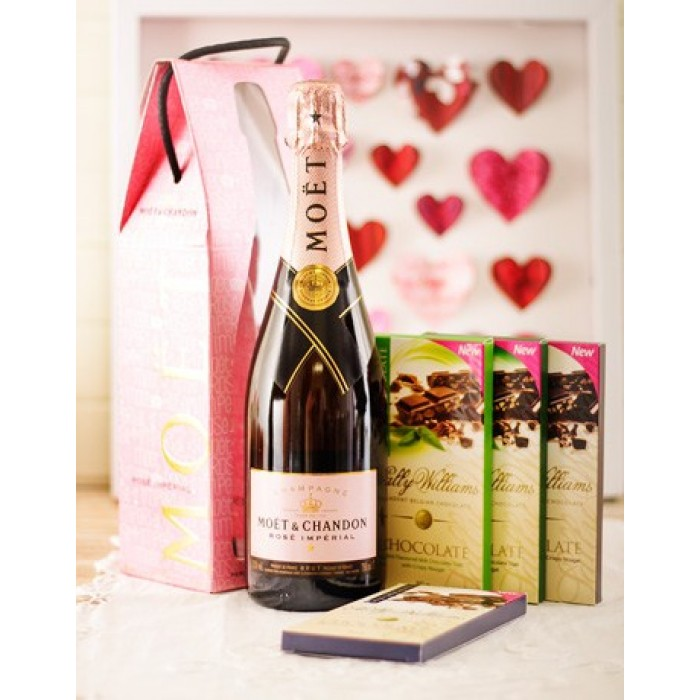 Chocolate Gift Boxes South Africa : Mo?t chandon and chocolate corporate hamper south